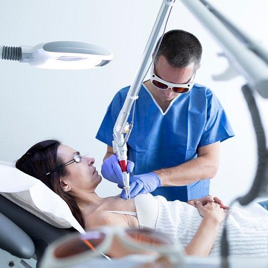 Professionelle Lasertherapie durch Facharzt