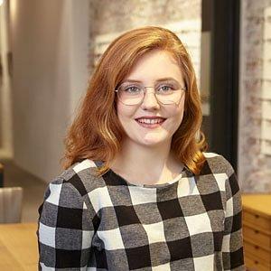 Carla Niederberger, in Ausbildung zur Augenoptikerin EFZ
