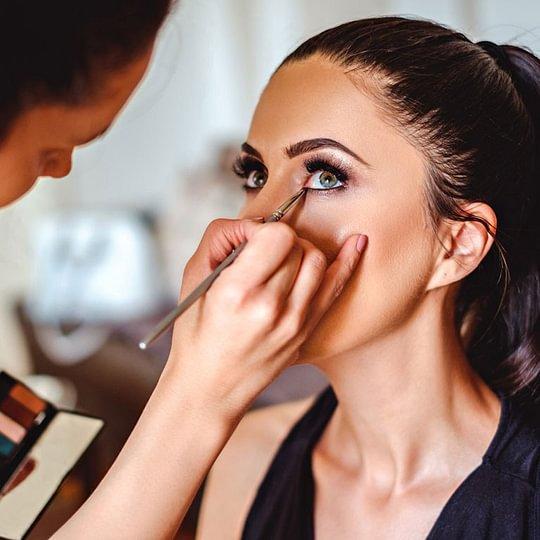 Prof. Schminken für Pass Foto, Vorstellungsgespräch oder Tages/ Abend  Make-Up