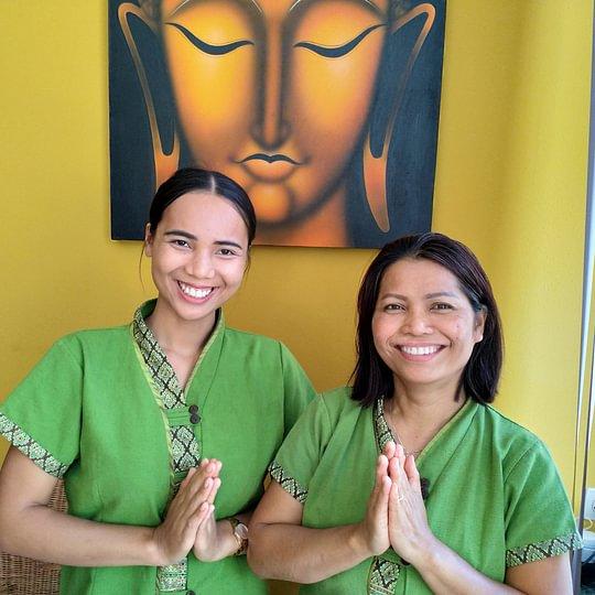 Ratda e Peeratha (da destra), le nostre Terapiste con Esperienza