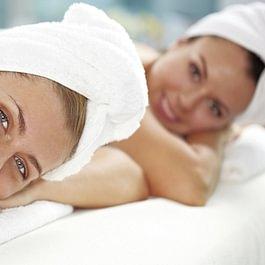 Beauty Tag zu Zweit, gemeinsam Kosmetik Tag oder Hot-Stone Massage.