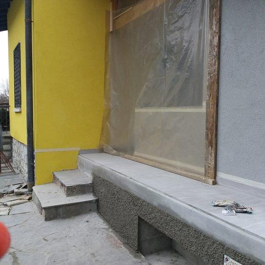 risanamento facciate con intonachino e strollatura