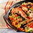La nostra paella con pesce e la carne , rigorosamente fatta in casa