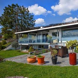 Corseaux, magnifique villa individuelle de 8 pièces au coeur des vignes. Vue panoramique sur le lac.