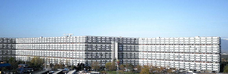 Le Lignon, une barre d'habitations de plus d'un kilomètre de long