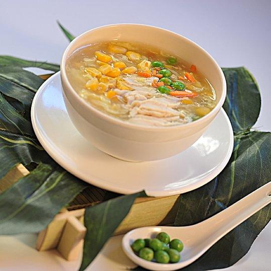 Soupe au poulet et maïs
