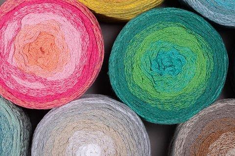 Hoooked Wavy Blends - Recycling-Textilgarn mit wunderschönem Farbverlauf