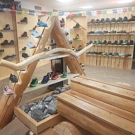 Grosse Auswahl Berg- Wander- Trekking- Running und Lifstyle Schuhen