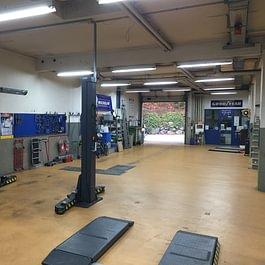 Atelier côté Sud-garage de la Croix-Lutry