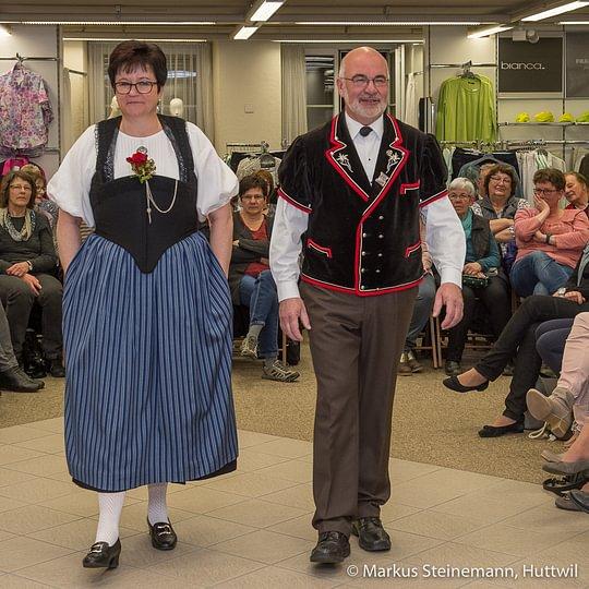 Traditionelle Berner Trachten