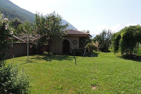 Cadenazzo - villetta con grande giardino