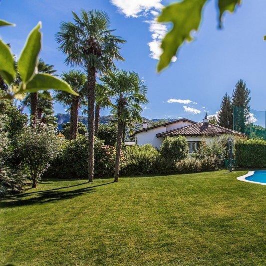 Ferienhaus mit Pool am Golf Platz Lugano