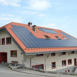Rénovation toiture et pose de panneaux photovoltaïque