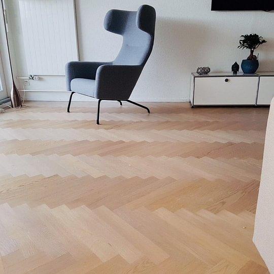 BAUWERK Parkett Unopark Sasso 15- Fischgratverlegung, Wohnung in Männedorf