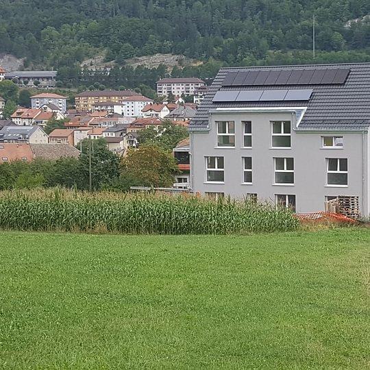 Réalisation d'une toiture d'immeuble, à Vallorbe