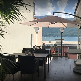 terrazza esterna per pranzo , cena e aperitivi