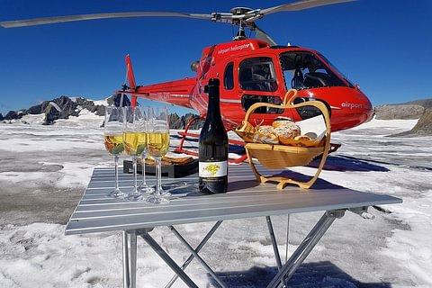 Alpine round trip with glacier landing