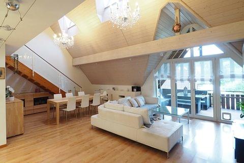 Moderne Dachmaisonettewohnung mit Einstellhallenplatz in Arisdorf zu verkaufen