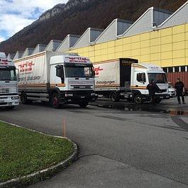 Gross-Anlieferung Arbeitstische/Stationen für Fabrik in Stans