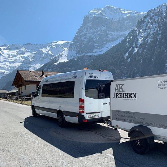 Unser Kleinbus - Mercedes Sprinter mit Anhänger