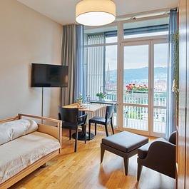 Unsere schönen Pflegezimmer bieten wunderbaren Blick auf die Altstadt
