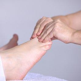 Réflexologie ; Massage des pieds