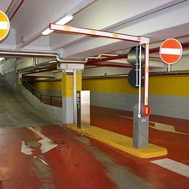 Barriere, catene automatiche e dissuasori di parcheggio