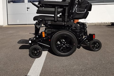 Rental : Electric Wheelchair