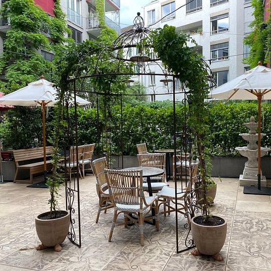 Restaurant Nooch Badenerstrasse; Aussenbegrünung