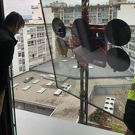 Remplacement verre isolant au 7ème étage chez un particulier.