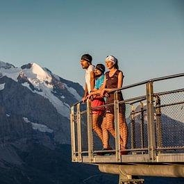 Das Backdoor Trail Running Team auf dem First Cliff Walk