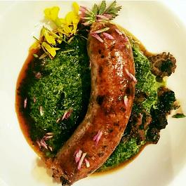 hausgemachtes Kaninchen–Bärlauchwürstli, Morcheln, Spinat