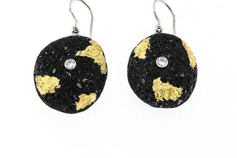 Lava Ohrhänger mit Gelbgold