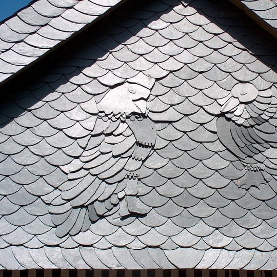 Fassadenornamente mit Naturschiefer