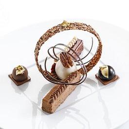Chocolat Santarem croquant, noix de pécan et glace fleur de sureau