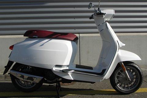 Lambretta V-Special 125 - white