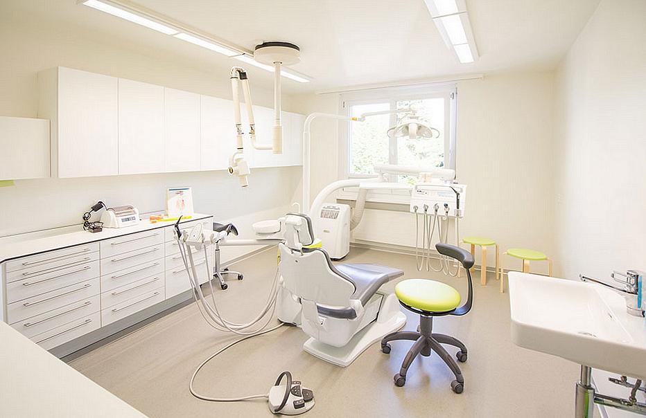 coletti zahnarztpraxis in zunzgen adresse ffnungszeiten auf einsehen. Black Bedroom Furniture Sets. Home Design Ideas