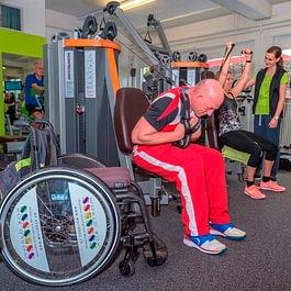 Training auch mit Rollstuhl by Physiotherapie Wohlen AG
