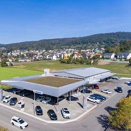 Südliche Luftaufnahme auf die Altenburg-Garage AG