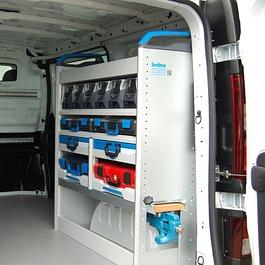 Fahrzeugeinrichtungen von Sortimo sorgen für Ordnung und Struktur im Transporter und bieten einen guten Überblick über die mitgeführten Arbeitsmaterialien.