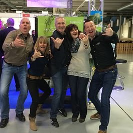 Das Hang Loose Team an der Ferienmesse in Bern