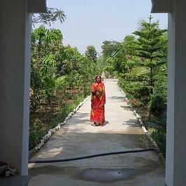 im Sapta Yoga Ashram in Indien