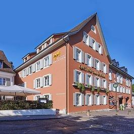 Hotel mit Dorfterrasse