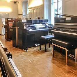 Klavier - Ausstellung Zollikerstrasse 81 Zürich