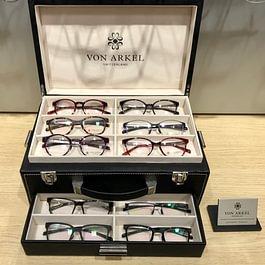 -Les lunettes suisses Von Arkel, inspirées du monde de l'horlogerie.