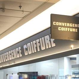 Panneau publicitaire pour centre commercial. Lettres en autocollant découpé.