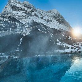 Infinitypool mit Eiger Hotel Spinne Grindelwald