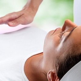 Daniel Energie - Massage