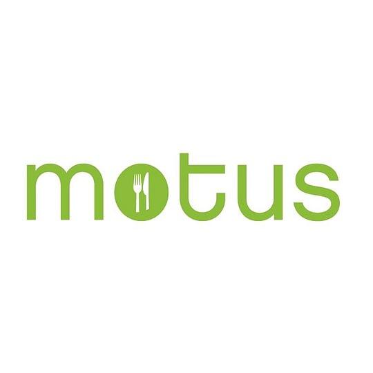 Au Motus, vous trouverez une cuisine du soleil, des plats de saisons aux saveurs méditerranéennes, avec un accent local.