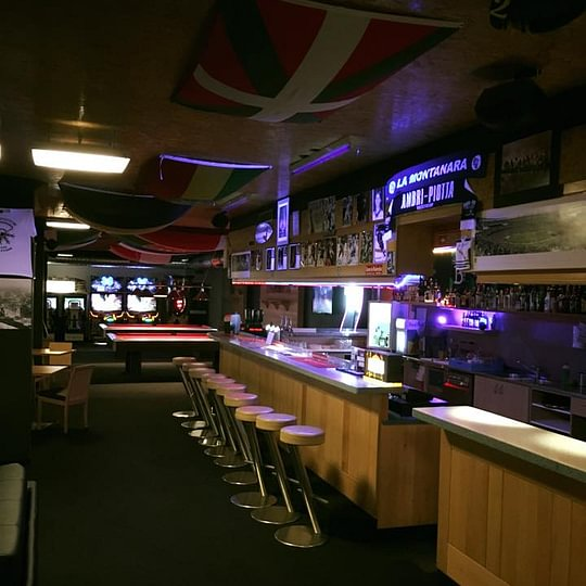 Bowling Sports Bar